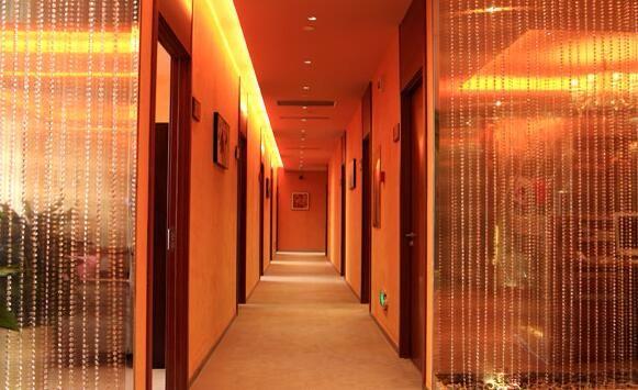 大连艺星整形美容医院走廊