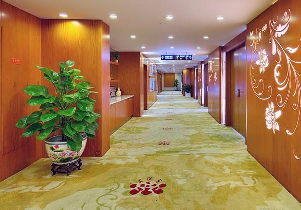杭州华山连天美医疗美容医院走廊