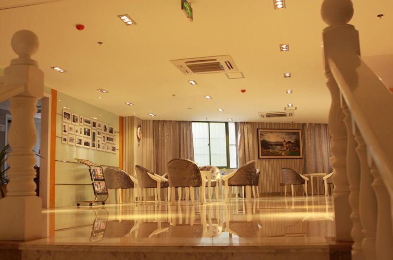 南京华美美容医院。