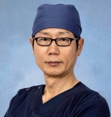 韩国清潭第一整形外科成镇模