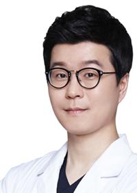 韩国UcanB整形外科医院申在勋