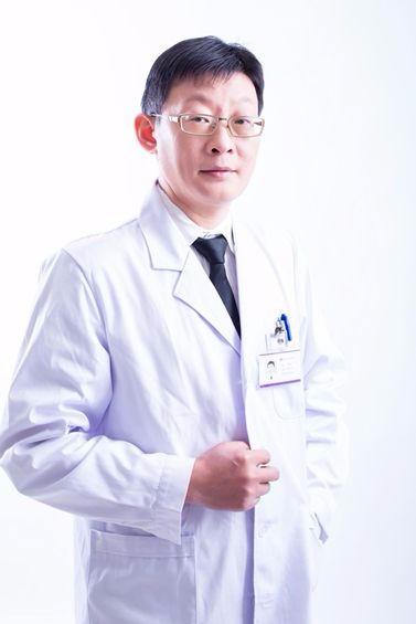 长沙亚韩医学美容医院刘明飞