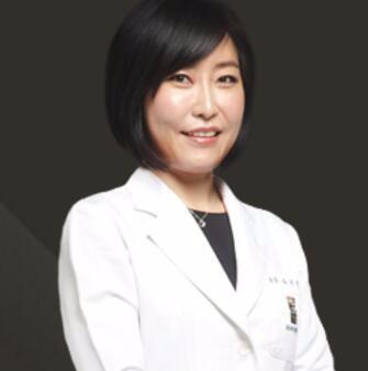 韩国丽优美皮肤科医院何智贤