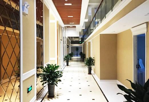 合肥新地整形美容医院1楼走廊