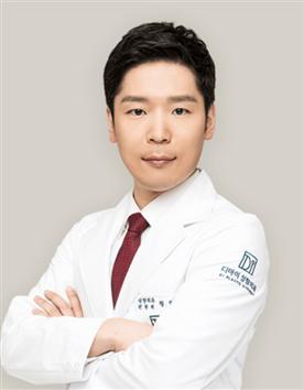 韩国DI整形医院郑然翊
