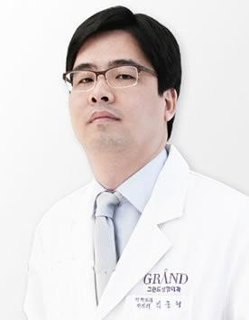 韩国高兰得整容外科金俊亨