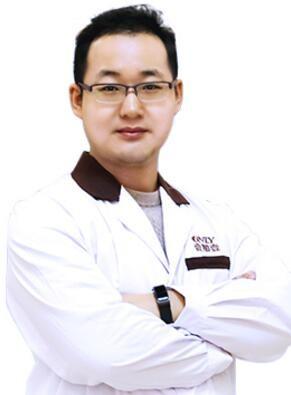 武汉壹加壹整形医院李艳东