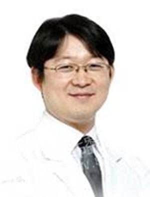 韩国知人整形外科陈一范