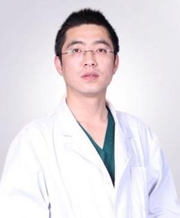 柳州解放军158医院整形科张照日