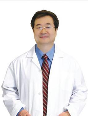 北海博铧整形医院郑东学