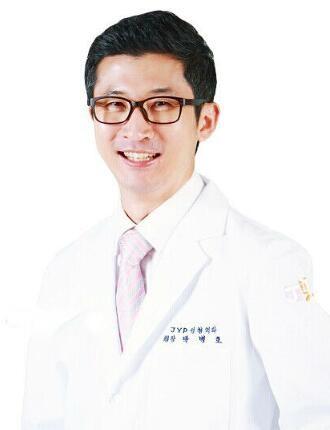 韩国JYP整形外科朴炳浩