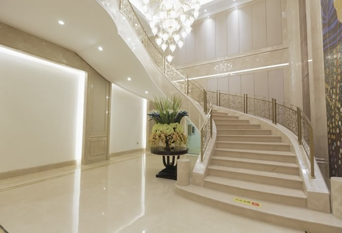 大厅楼梯一角