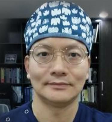 韩国TheOne整形医院金相耿