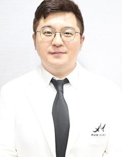 韩国缪慈整形医院申春昊