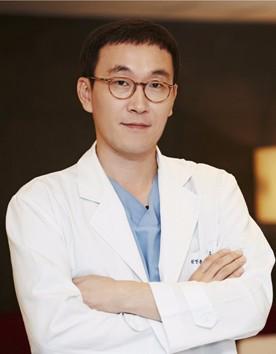 韩国omega整形外科医院柳在亿