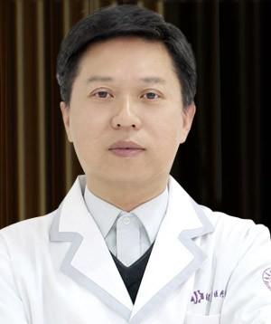 南昌大学医学院医疗美容门诊部廖洪跃
