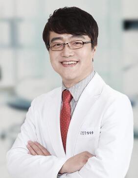 韩国dacapo整形医院郑志雄