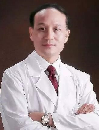 新疆美冠名成医疗整形美容医院韦敏