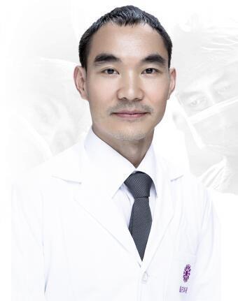 重庆华美整形美容医院杨加富