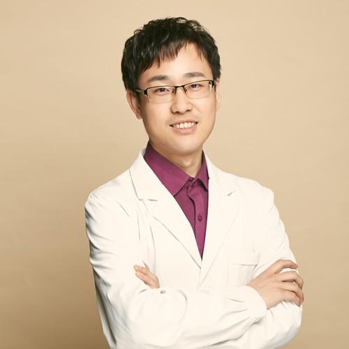 哈尔滨悠然国际医疗整形医院刘龙