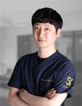 韩国SY整形外科崔秀瑛