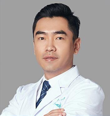成都润美玉之光医疗美容整形门诊部刘中国