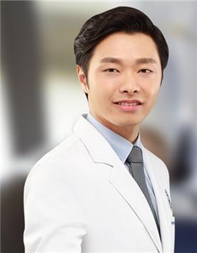 韩国延世mini整形外科医院李常元