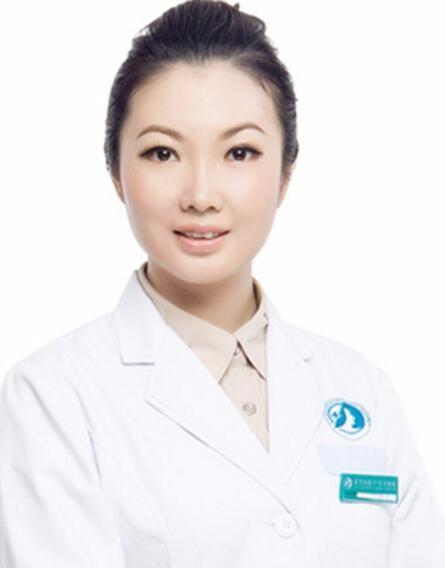 长沙爱思特医疗美容医院郑颖平