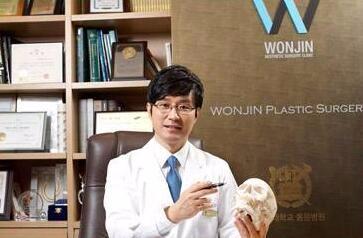 韩国原辰整形外科朴原辰