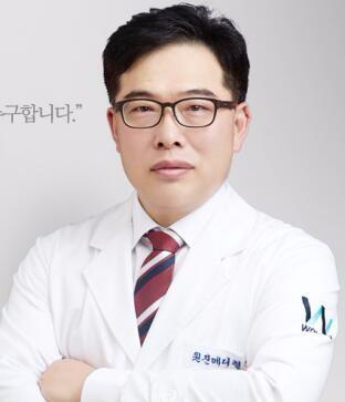 韩国原辰整形外科南东佑