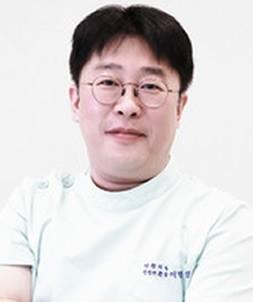 韩国YNT整形外科医院李秉烈