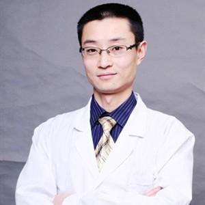 广州青逸植发医疗美容门诊部何凯强