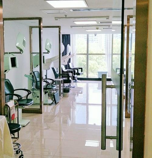 理疗设备室