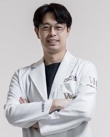 韩国WOOA整形外科医院崔硕珉