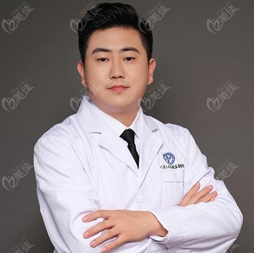 四川省人民医院东篱医院整形美容科刘祎