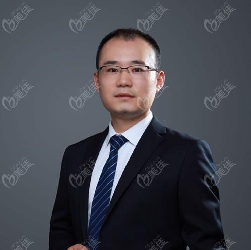 四川省人民医院东篱医院整形美容科李运峰
