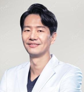 韩国KEYE恺熠眼科医院权亨九