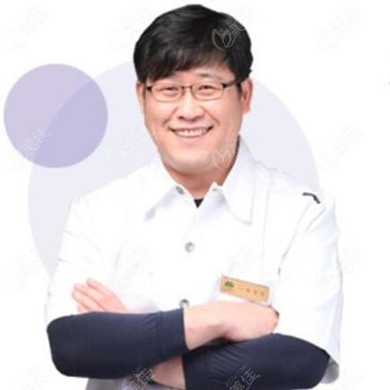 韩国橡树牙科医院裴哲敏