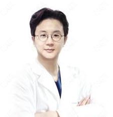 韩国yaan微整形外科医院崔源卓