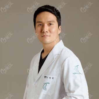 韩国多佳德整形外科医院李政勋