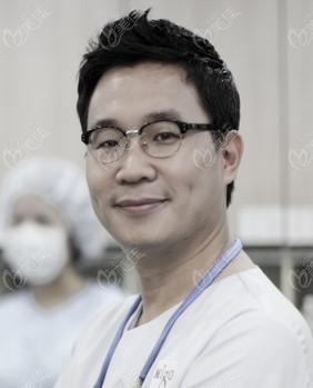 韩国大眼睛整形美容医院高韩雄