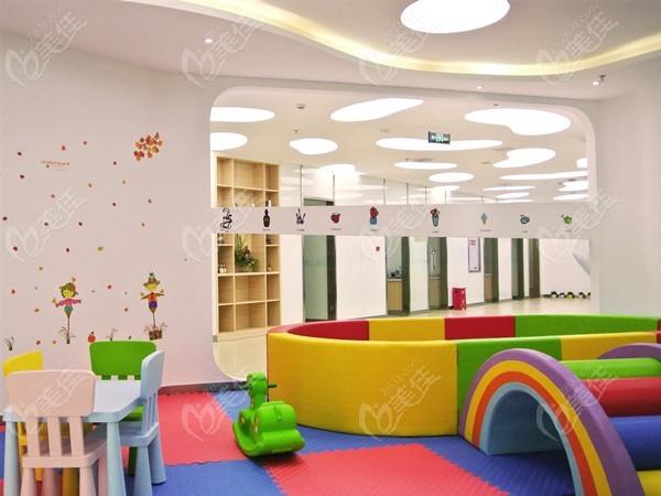 儿童玩耍区