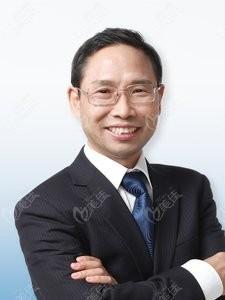 北京精德口腔门诊部解德勇