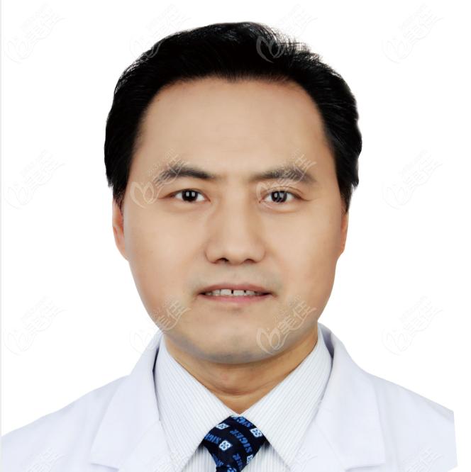 北京科尔口腔门诊部巩新科