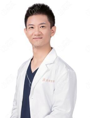重庆星荣整形外科医院刘彦龙
