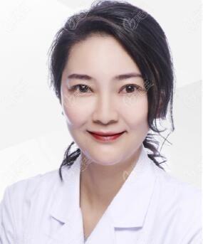 重庆星荣整形外科医院任瑞馨