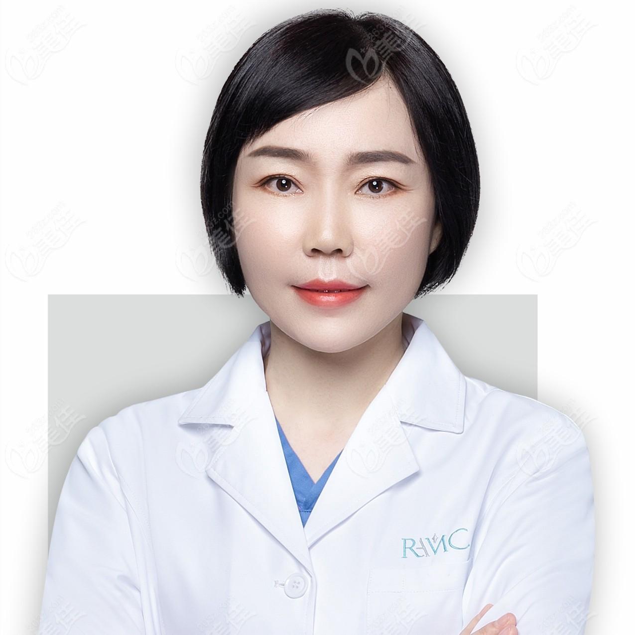 成都暄妍医学美容整形医院王艳