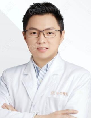 重庆星荣整形外科医院刘巍