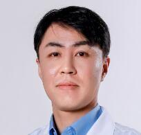 韩国IRIS整形外科金成镐