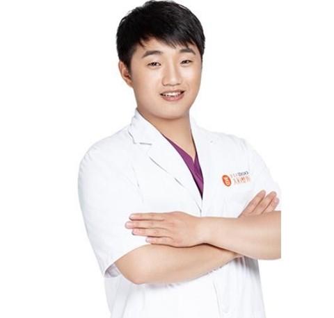 郑州天后医疗美容医院李浩